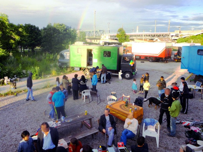 Party at the Treibstoff Camp. Source: treibstoff.wagenplatz.at