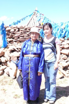Namsraijav udgan. A well-known Khotgoid shaman who conducts the oboo worship ceremonies of Tsagaan chuluut, cleans the surrounding area of the oboo, and helps local people. Khövsgöl aimag Arbulag soum.