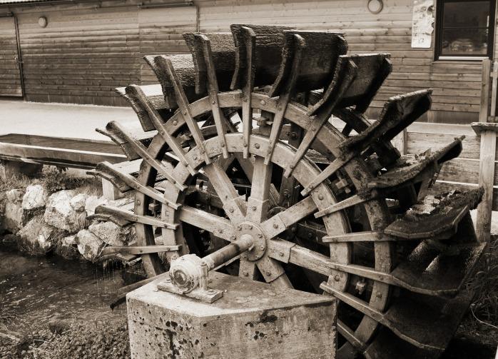 mill-wheel-352246_1920