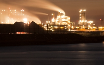 The Europort in Rotterdam, famous for its industrial buildings and petroleum refineries. Photo: Arwin Meijer, CC BY-SA 3.0.
