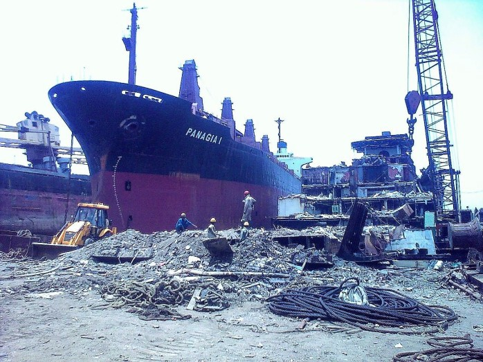 alang_shipbreaking